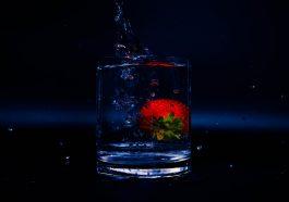 Splash Summer Strawberry Cold  - fleglsebastian7 / Pixabay