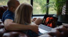 Video Streaming Laptop Pair Film  - FrankundFrei / Pixabay