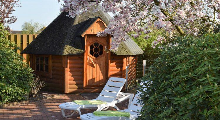 Wood House Tree Garden Sauna  - jennyfriedrichs / Pixabay